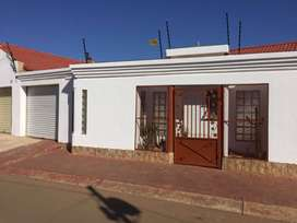 3 Bedrooms house for sale in Dobsonville