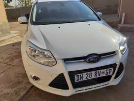 A 2015 Ford Focus Trend Hatchback full house for sale