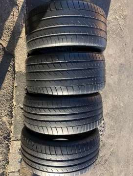 275/40/R20 & 315 35 R20 Dun Lop RunFlat Tyres [For BNW X5]