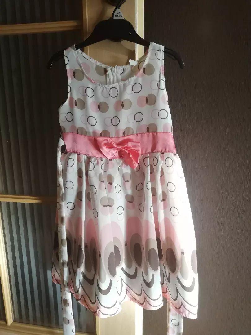 Dívčí šaty vel. 104-110 0
