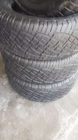 A clean set 255/60/18 General grabber tyres for sale