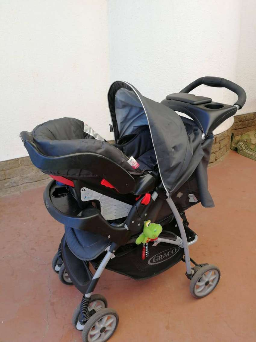 Graco pram and car seat combo 0