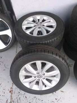 Vw polo 8 original alloy mags size 15+tyres like new for sell