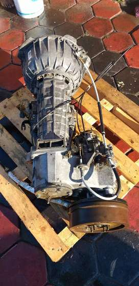 Land rover discovery V8 auto gearbox (transfer case not included)