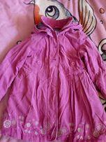 Демисезонное пальто (плащик) на девочку 4-5 лет