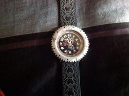 Оригинальные Швейцарские брендовые часы Flik-Flok в идеальном состояни