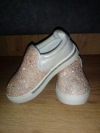 Buty dziecięce brokat trampki śliczne