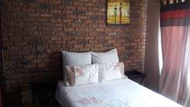 Spacious Fully furnished cosy 1 bedded garden flat in Bendor R5000 p/m