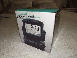 Органайзер 5 в 1: часы, будильник,термометр, календарь, радио. Обмен.