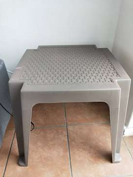 Patio Side Table in excellent condition