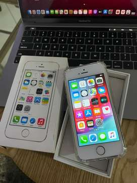 iPhone 5S (32GB) Faulty Fingerprint but home button works + box
