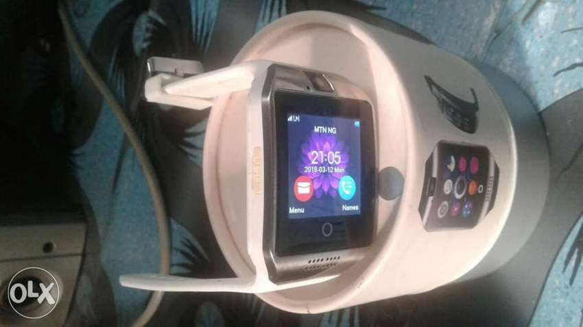 New smart watch for sale the watch using a sim card and memory card 0