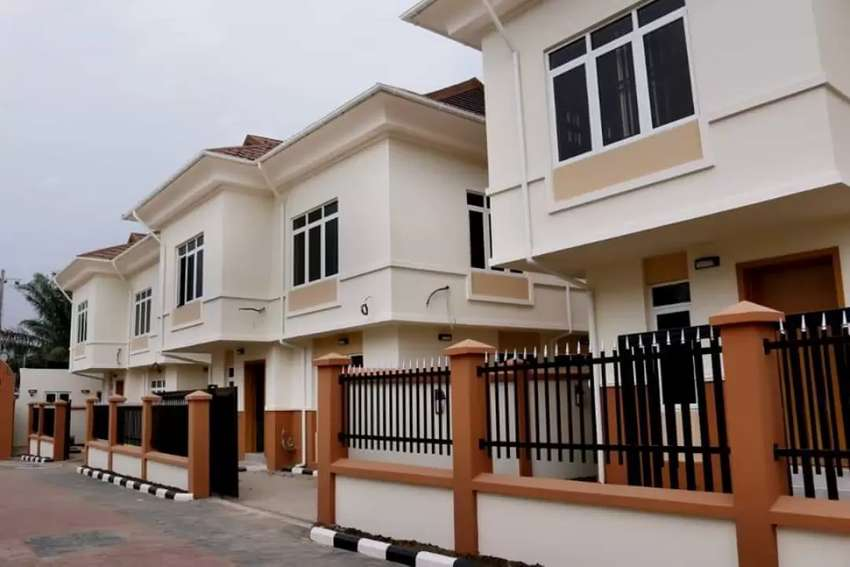 4 bedroom duplex for sale 0