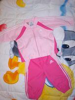 Спортивный костюм Adidas на девочку 9 м