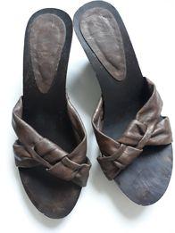 klapki drewniaki sandały brązowe