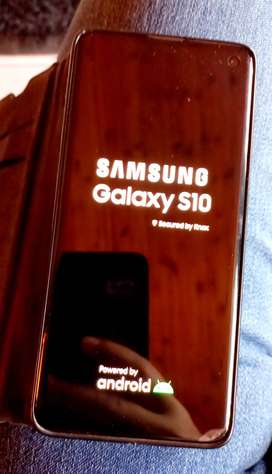New mint condition Samsung Galaxy S10