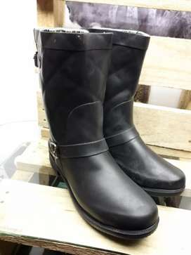 Size 5 & 6 brand new Koton Midcalf waterproof rubber boots