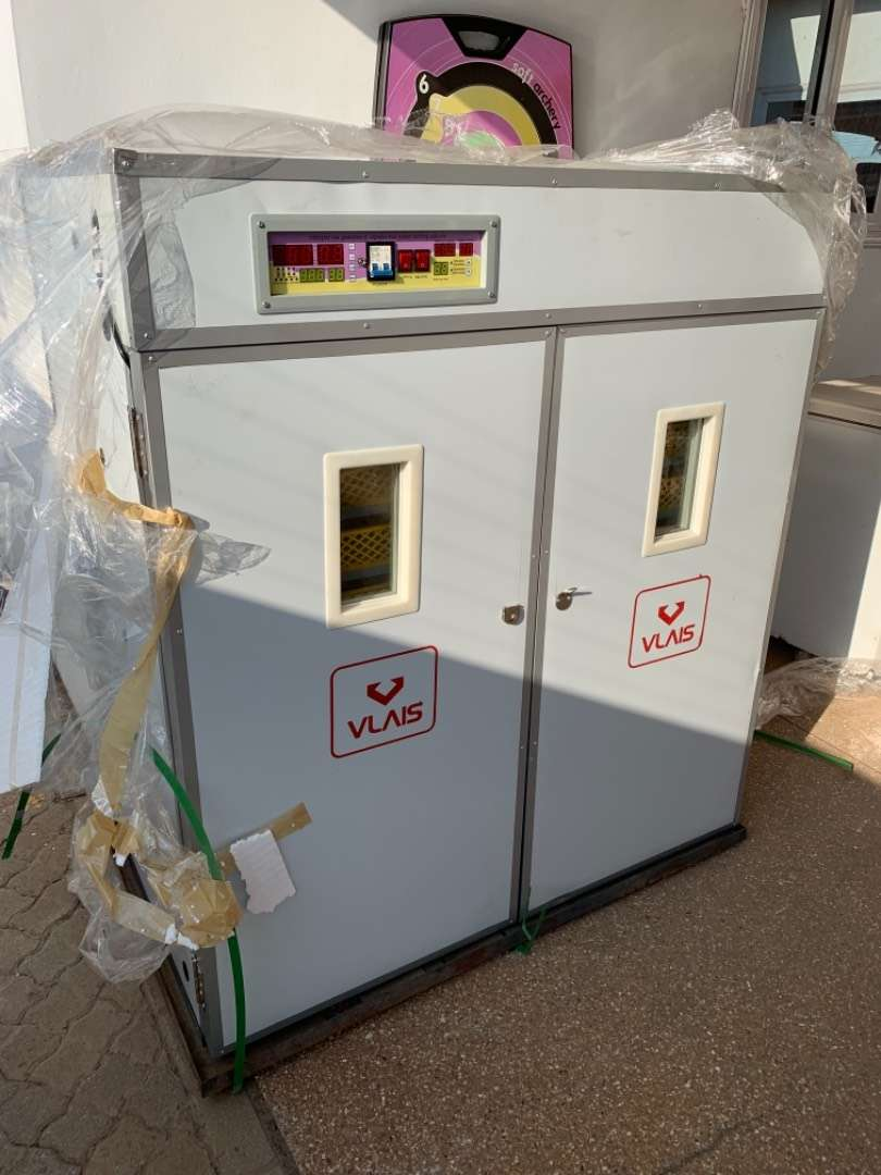 Poultry incubator 0