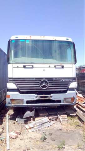 Merc Actros mp1 cab and chassis breaking up for spares