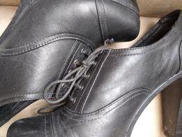 Туфлі черевички