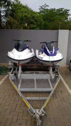 2x Jet skis & trailer for sale