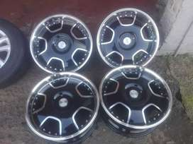 Turn alloy mags size 17+tyres still like new ot fits polo vivo and tsi