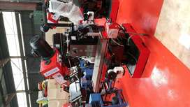 Universal turret milling machine