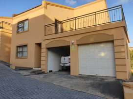 Modern townhouse sunnyridge for rent